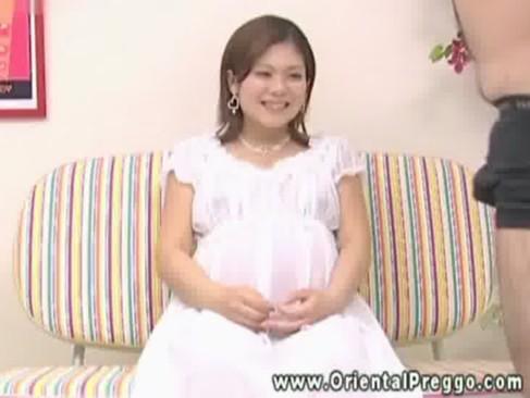 洋物無料の美少女が手こキする白人美少女セツク動画